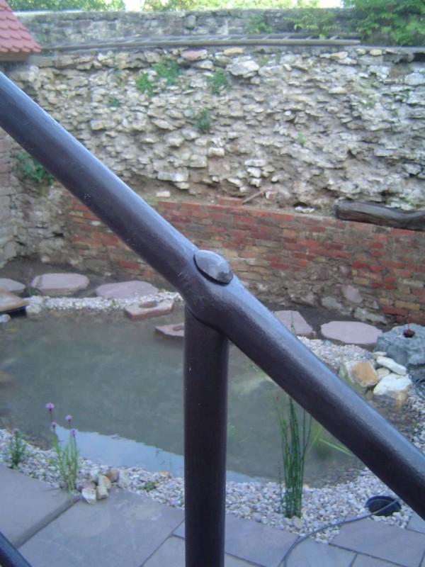Geländer, Vernietung von Pfosten und Handlauf